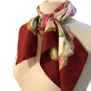NWT Authentic Gucci Maiden &Floral 100% Silk Scarf
